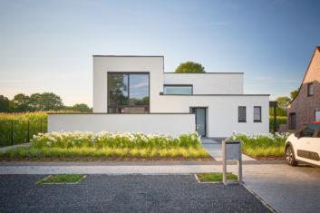 Referenties architectenbureau jessi decsi limburg for Moderne laagbouw woningen